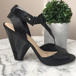 Nine West leather ankle wrap sandal